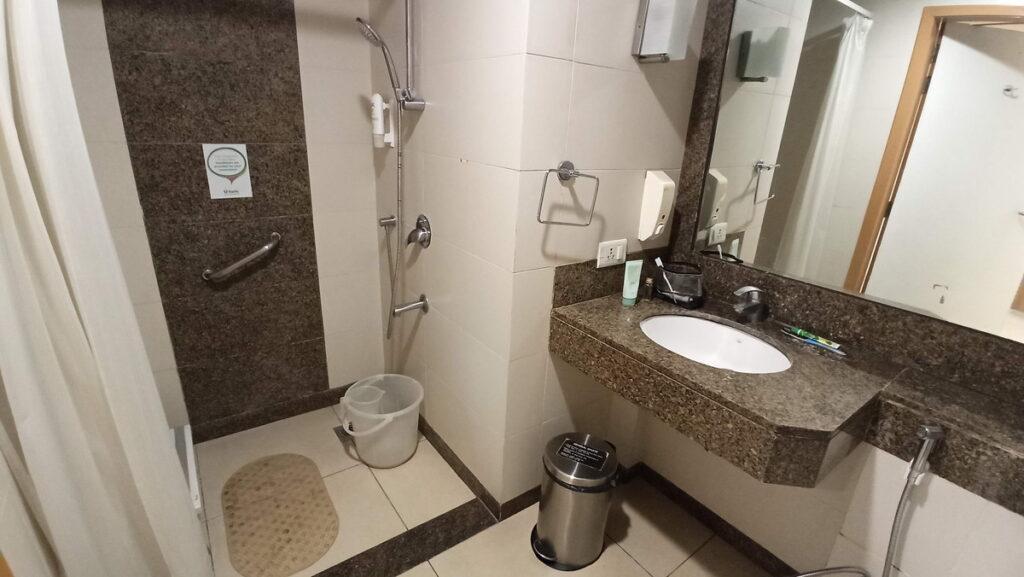 FORTIS個室のシャワーの様子