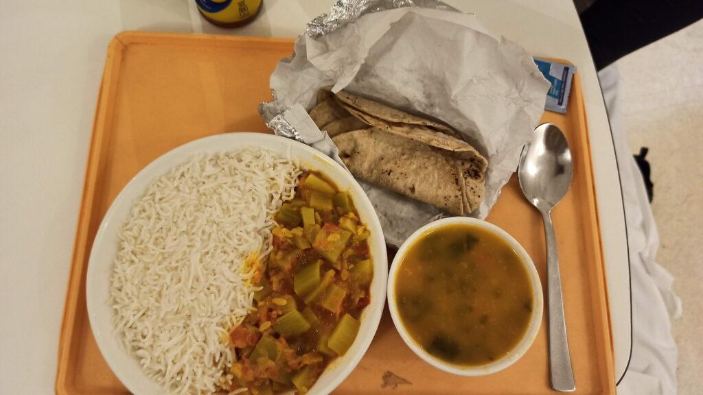 FORTISの病院食(チャパティ、ダルとサブジ)